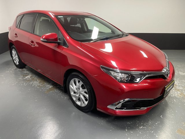 Used Toyota Corolla ZRE182R Ascent Sport S-CVT Hamilton, 2015 Toyota Corolla ZRE182R Ascent Sport S-CVT Red 7 Speed Constant Variable Hatchback