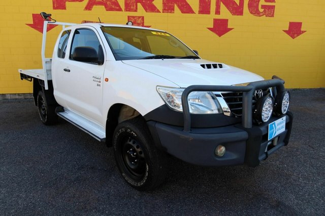 Used Toyota Hilux KUN26R MY14 SR Xtra Cab Winnellie, 2014 Toyota Hilux KUN26R MY14 SR Xtra Cab White 5 Speed Manual Cab Chassis