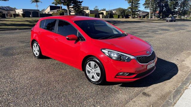 Used Kia Cerato YD MY15 S Port Macquarie, 2015 Kia Cerato YD MY15 S Red 6 Speed Sports Automatic Hatchback