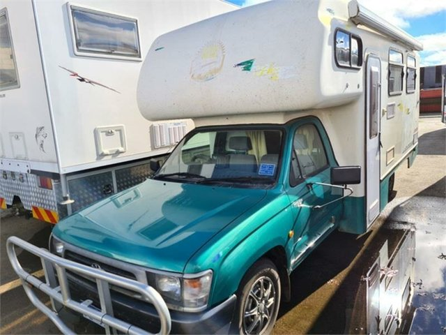 Used Toyota Hilux Bellevue, 2000 Toyota Hilux White Manual Motor Home
