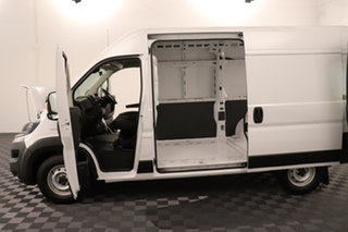 Fiat Ducato Series 7 Mid Roof MWB White 9 speed Automatic Van