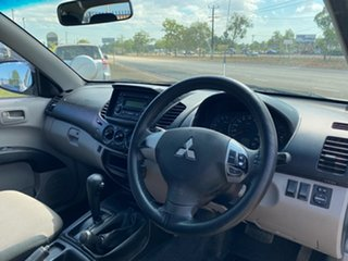 2009 Mitsubishi Triton ML MY09 GLX-R Double Cab White 5 Speed Manual Utility