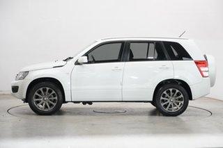 2016 Suzuki Grand Vitara JB Navigator 2WD White 4 Speed Automatic Wagon.