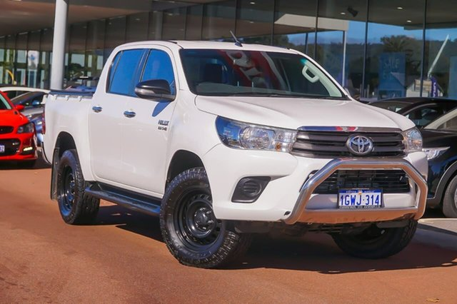 Used Toyota Hilux GUN126R SR Double Cab Gosnells, 2016 Toyota Hilux GUN126R SR Double Cab White 6 Speed Sports Automatic Cab Chassis