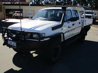2003 Toyota Hilux KZN165R 4x4 White 5 Speed Manual Dual Cab.