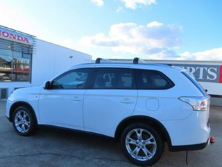 2014 Mitsubishi Outlander ZJ MY14.5 ES (4x4) White Continuous Variable Wagon