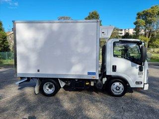 2015 Isuzu NLR200 White Refrigerated Truck 3.0l.