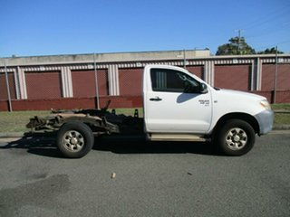 2006 Toyota Hilux GGN25R MY07 SR White 5 Speed Manual Cab Chassis.