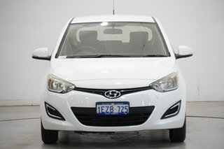 2015 Hyundai i20 PB MY16 Active Polar White 6 Speed Manual Hatchback.