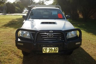 2015 Toyota Hilux KUN26R MY14 SR White 5 Speed Manual Cab Chassis.