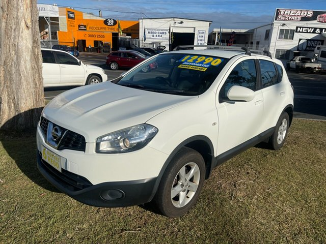 Used Nissan Dualis J10W Series 4 MY13 ST Hatch X-tronic 2WD Clontarf, 2013 Nissan Dualis J10W Series 4 MY13 ST Hatch X-tronic 2WD White 6 Speed Constant Variable