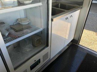 2010 Fuso Canter White Food Van 4.9l