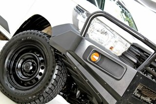 2016 Toyota Hilux GUN125R Workmate (4x4) White 6 Speed Manual X Cab Cab Chassis.