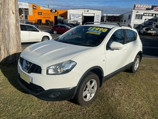 2013 Nissan Dualis J10W Series 3 MY12 ST Hatch X-tronic 2WD White 6 Speed Constant Variable.