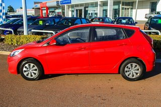 2015 Hyundai Accent RB2 MY15 Active Red 6 Speed Manual Sedan.