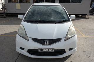 2009 Honda Jazz GE MY10 VTi White 5 Speed Automatic Hatchback.