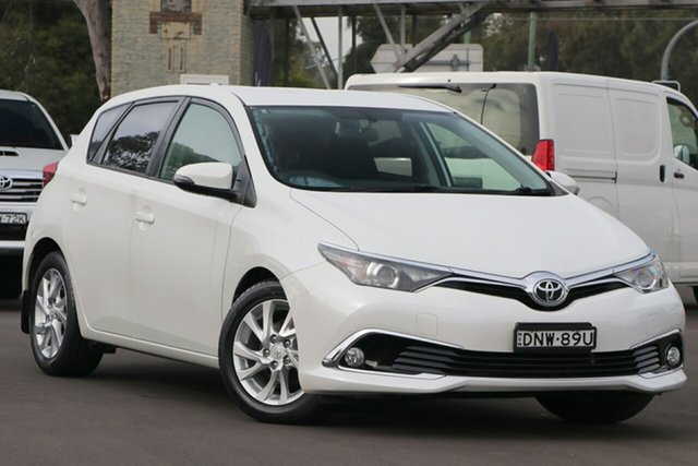 Pre-Owned Toyota Corolla ZRE182R Ascent Sport S-CVT Warwick Farm, 2015 Toyota Corolla ZRE182R Ascent Sport S-CVT White 7 Speed Constant Variable Hatchback