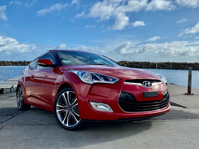 Used Hyundai Veloster FS4 Series II + Coupe D-CT Reynella, 2015 Hyundai Veloster FS4 Series II + Coupe D-CT Veloster Red Pearl/b 6 Speed