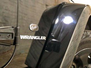 2013 Jeep Wrangler JK MY2014 Overland Black 5 Speed Automatic Hardtop