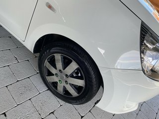 2014 Mitsubishi Mirage ES White Manual Hatchback