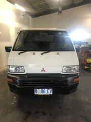 2009 Mitsubishi Express SJ MY09 SWB White 5 Speed Manual Van.