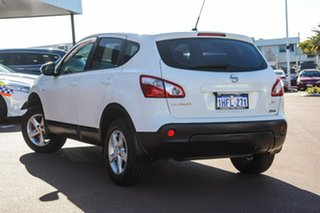 2012 Nissan Dualis J10 Series II MY2010 ST Hatch X-tronic White 6 Speed Constant Variable Hatchback.