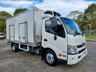 2016 Hino Dutro 300 616 White Refrigerated Truck 4.0l.