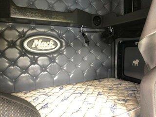 2013 Mack Superliner Superliner Truck White Prime Mover