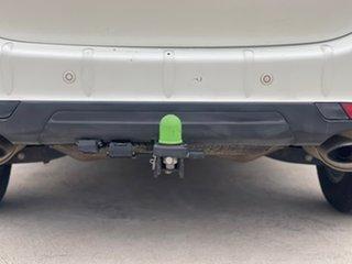 2016 Mahindra XUV500 W8 White Sports Automatic Wagon