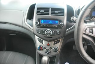 2014 Holden Barina TM MY14 CD Red 6 Speed Automatic Hatchback
