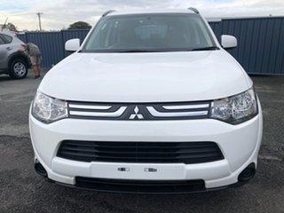 2013 Mitsubishi Outlander ZJ MY14 ES 2WD White 6 Speed Constant Variable Wagon