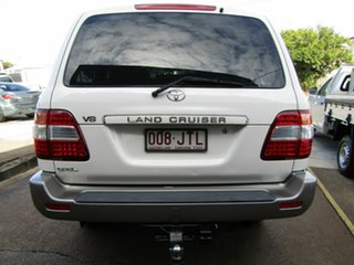 2006 Toyota Landcruiser UZJ100R GXL White 5 Speed Automatic Wagon.