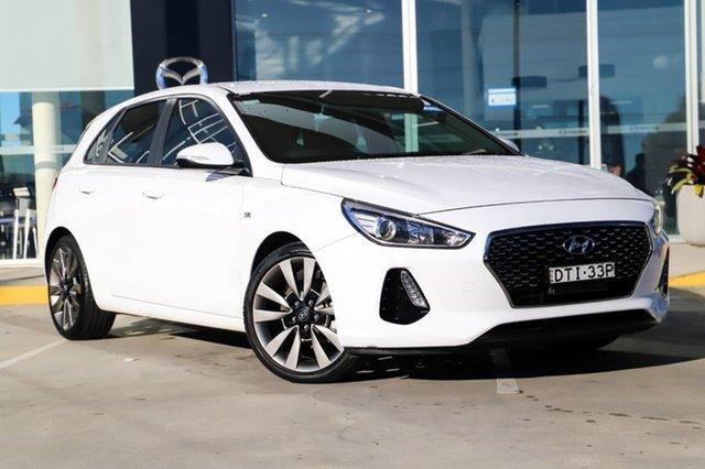 Used Hyundai i30 PD MY18 SR Kirrawee, 2017 Hyundai i30 PD MY18 SR White 6 Speed Manual Hatchback