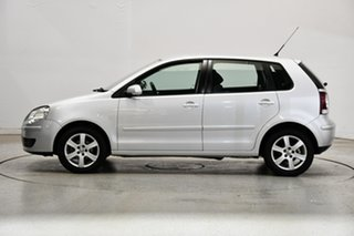 2009 Volkswagen Polo 9N MY2009 Pacific Silver 5 Speed Manual Hatchback.