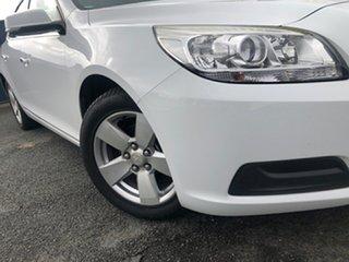 2015 Holden Malibu V300 MY15 CD Summit White 6 Speed Sports Automatic Sedan.