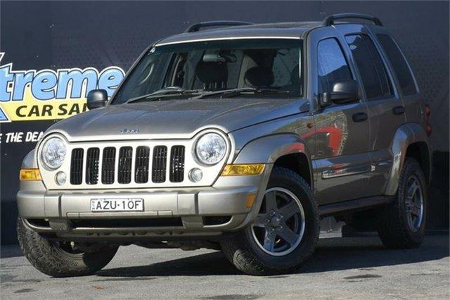 Used Jeep Cherokee KJ MY2006 Sport Campbelltown, 2006 Jeep Cherokee KJ MY2006 Sport Bronze 4 Speed Automatic Wagon