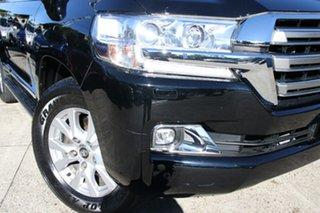 2018 Toyota Landcruiser VDJ200R MY16 Sahara (4x4) Eclipse Black 6 Speed Automatic Wagon.