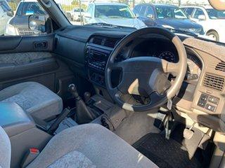 2001 Nissan Patrol GU II ST (4x4) White 5 Speed Manual 4x4 Wagon
