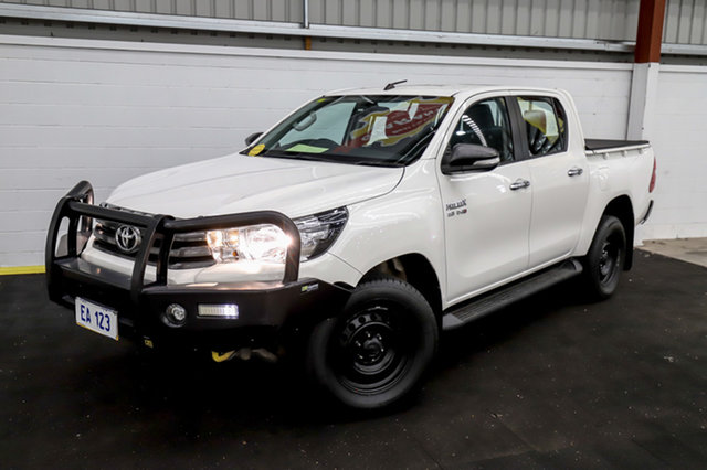 Used Toyota Hilux GUN126R SR Double Cab Canning Vale, 2017 Toyota Hilux GUN126R SR Double Cab White 6 Speed Sports Automatic Utility