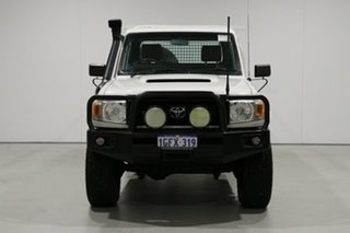 2008 Toyota Landcruiser VDJ79R Workmate (4x4) White 5 Speed Manual Cab Chassis.