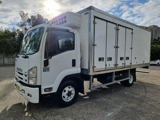 2015 Isuzu FRR 500 White Refrigerated Truck.