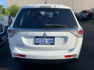 2013 Mitsubishi Outlander ZJ MY13 ES 4WD White 6 Speed Constant Variable Wagon.