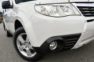 2009 Subaru Forester S3 MY10 X AWD Satin White/offblack 4 Speed Sports Automatic Wagon.
