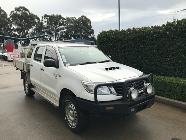 Used Toyota Hilux KUN26R MY14 SR Double Cab Acacia Ridge, 2014 Toyota Hilux KUN26R MY14 SR Double Cab Glacier 5 speed Automatic Cab Chassis
