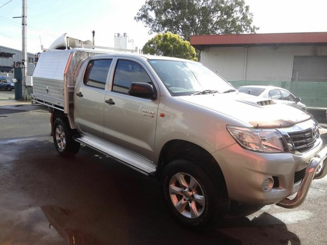 Used Toyota Hilux KUN26R MY12 SR (4x4) Coopers Plains, 2014 Toyota Hilux KUN26R MY12 SR (4x4) Silver 4 Speed Automatic Cab Chassis