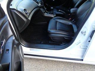 2014 Holden Cruze JH Series II MY14 Z Series White 5 Speed Manual Sedan