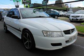 2005 Holden Commodore VZ Executive White 4 Speed Automatic Sedan.