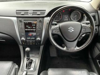 2010 Suzuki Kizashi FR XLS White 6 Speed Constant Variable Sedan.