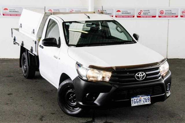 Pre-Owned Toyota Hilux GUN122R Workmate Myaree, 2017 Toyota Hilux GUN122R Workmate Glacier White 5 Speed Manual Cab Chassis