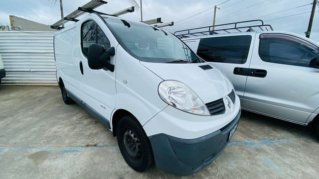 Used Renault Trafic X83 Phase 3 Low Roof Quickshift Maidstone, 2014 Renault Trafic X83 Phase 3 Low Roof Quickshift White 6 Speed Seq Manual Auto-Clutch Van